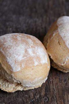 Afbeeldingen van Desem Broodjes Wit hard (per 5 stuks)