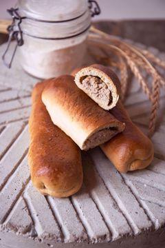 Afbeeldingen van Brabants Worstenbroodje (per stuk)